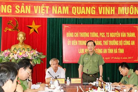 Thứ trưởng Nguyễn Văn Thành kiểm tra công tác tại Công an Hà Tĩnh