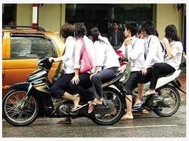Phủ Lý: Phức tạp tình trạng vi phạm trật tự an toàn giao thông trong lứa tuổi thanh thiếu niên