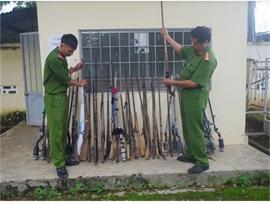 Đổi gạo để thu hồi vũ khí vật liệu nổ: Cách làm hay của Công an huyện Cư Jút
