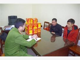 Thái Nguyên: Bắt hai đối tượng vận chuyển, buôn bán pháo nổ trái phép