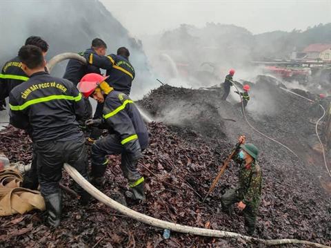 Cháy lớn tại xưởng chiết xuất tinh dầu quế của công ty Tech-Vina