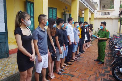 Thái Nguyên: Phát hiện 22 nam, nữ tụ tập hát karaoke trong mùa dịch Covid-19