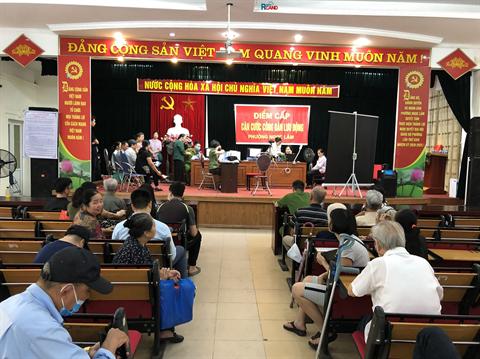 Một ngày làm căn cước công dân gắn chip điện tử ở Công an phường Ngọc Lâm, quận Long Biên, Hà Nội.
