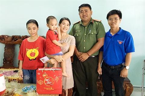 Đại uý Huỳnh Minh Đức – Bí thư đoàn cùng những sáng kiến.